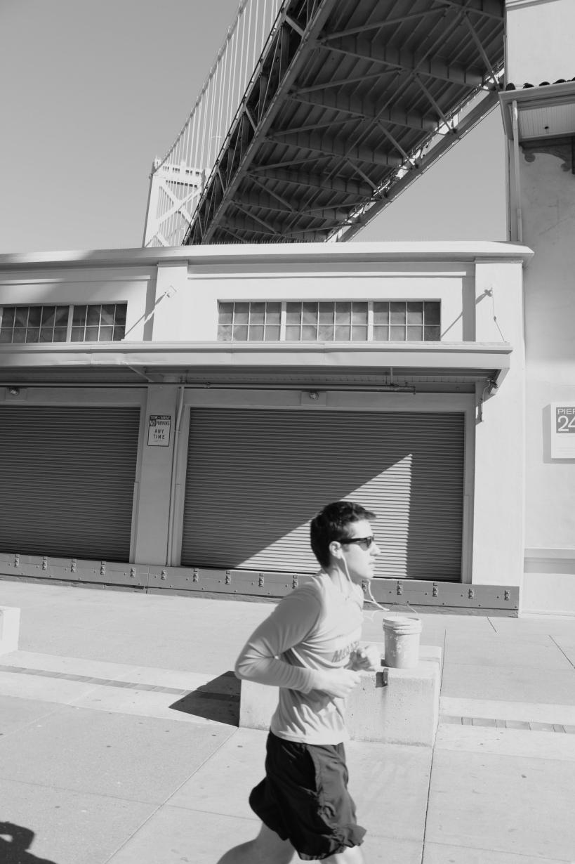 Pier 24 runner